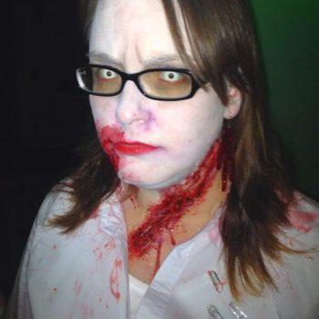 DIY Zombie Kostüm für Halloween-Party | Gruselige Tipps & schaurige Ideen für deine Halloween Party