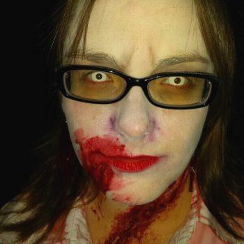 DIY Zombie Kostüm für private Halloween Party | Gruselige Tipps & schaurige Ideen für deine Halloween Party