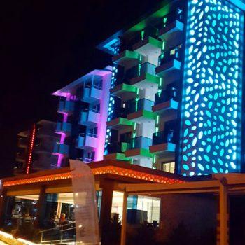Kleopatra Life Hotel in Alanya bei Nacht  