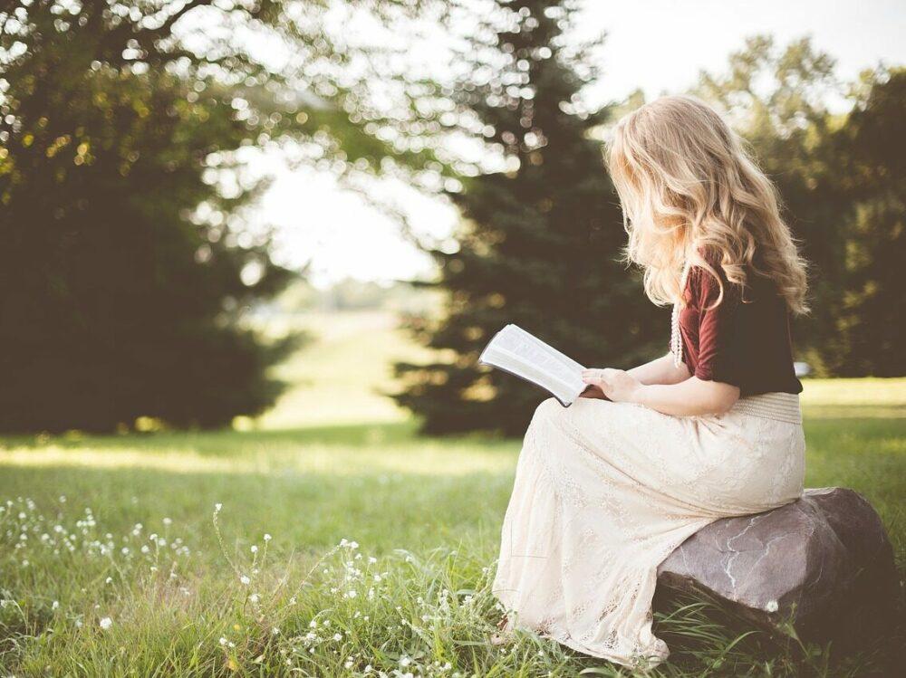 Bücher Geschenke Tipps für begeisterte Leseratten | Ich gebe dir Tipps für geniale Geschenkideen & coole Gadgets zum Verschenken an dich selbst oder an deine Liebsten ;-)